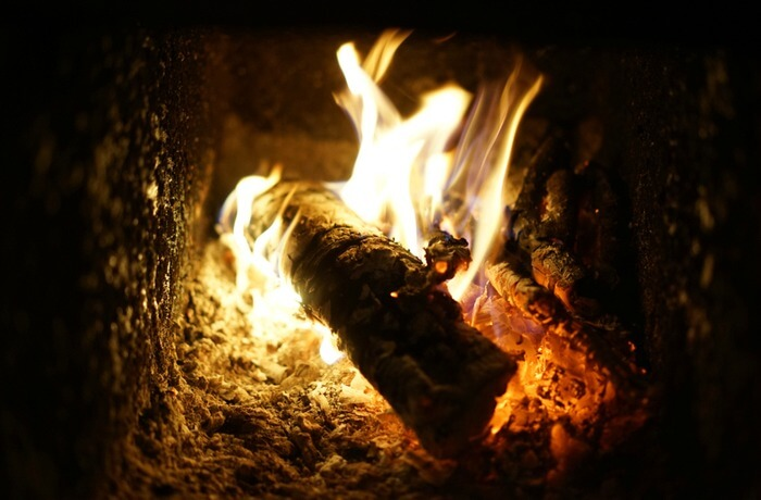 How to Properly Put Out a Fire in A Log Burner | Direct